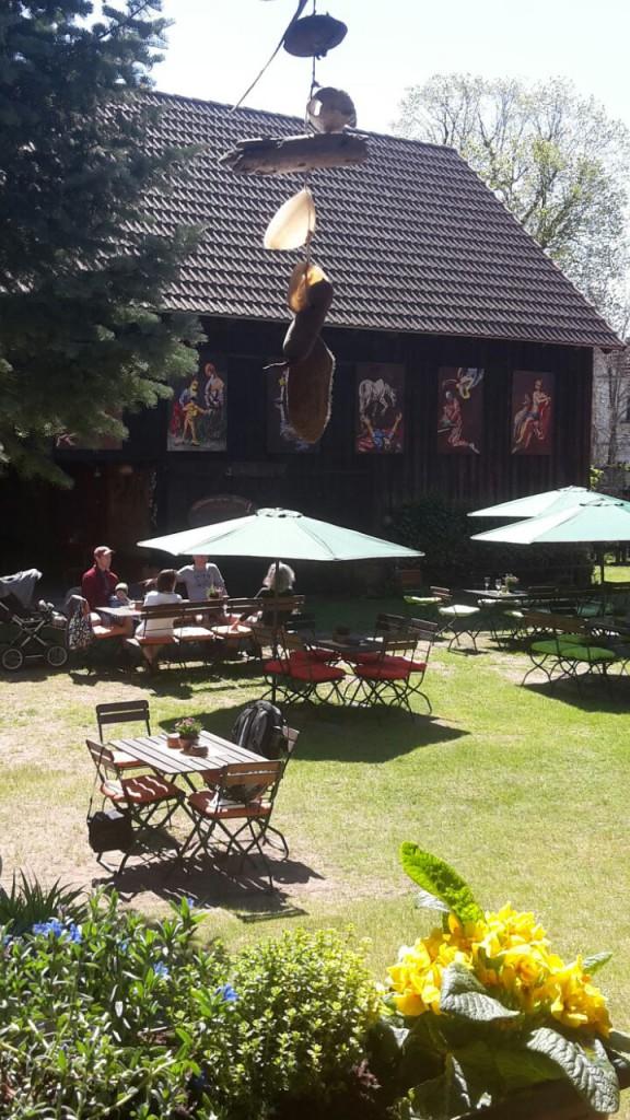Hofcafé mit Sommergalerie
